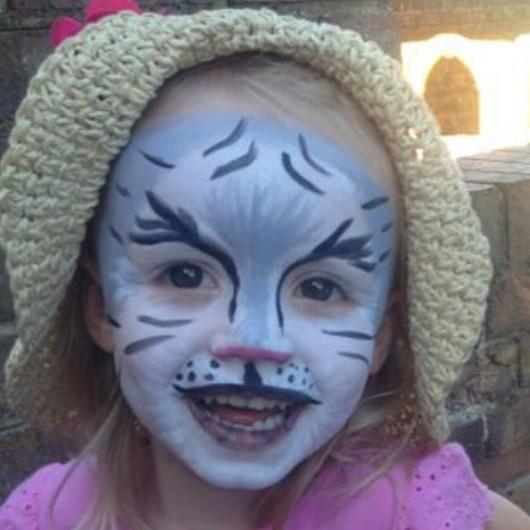 Fabaroo Faces Snow Tiger