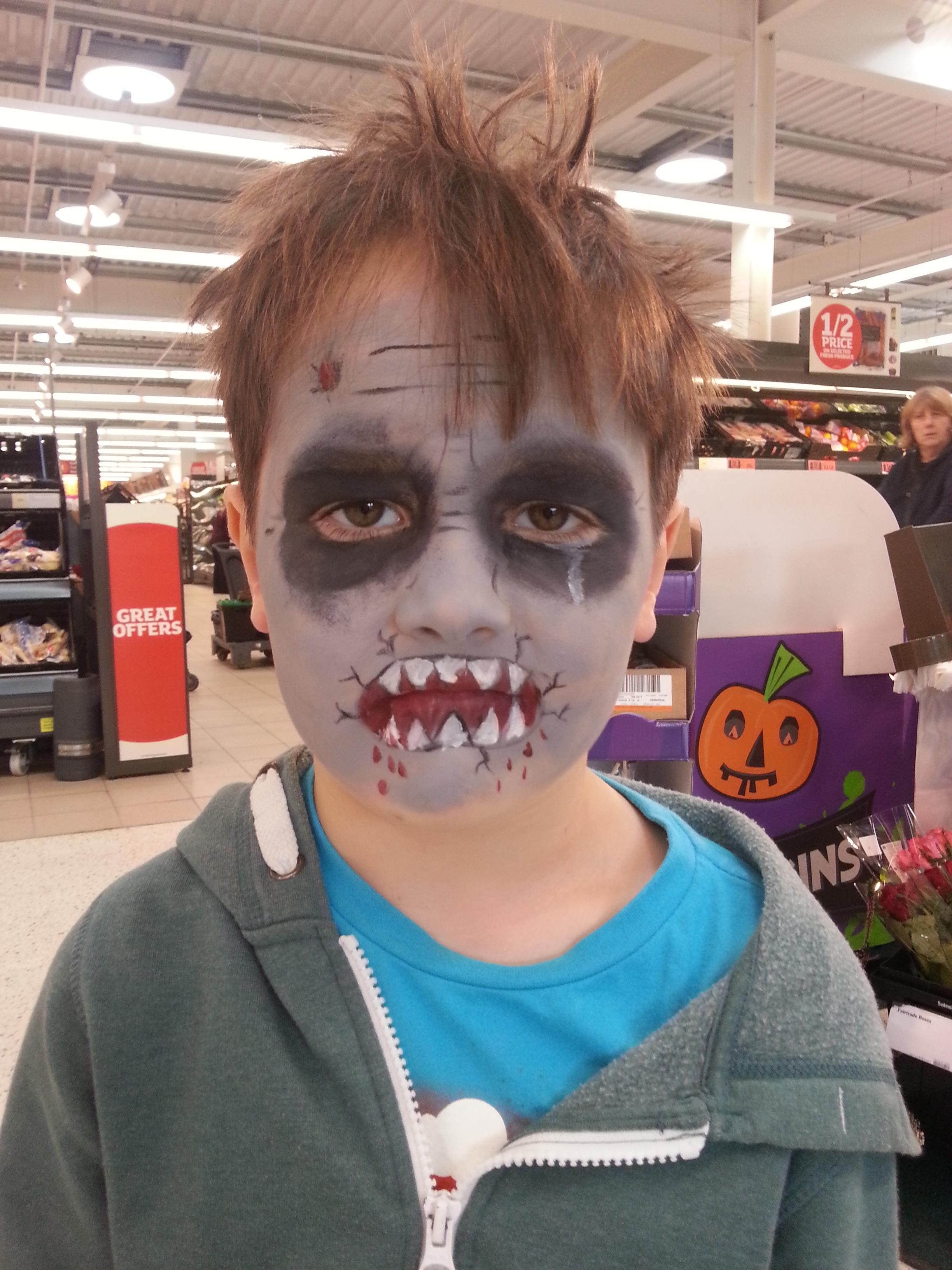 Fabaroo faces Zombie